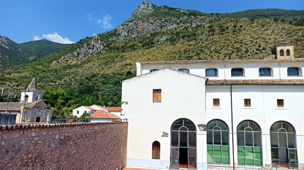 Museo archeologico con vista panoramica